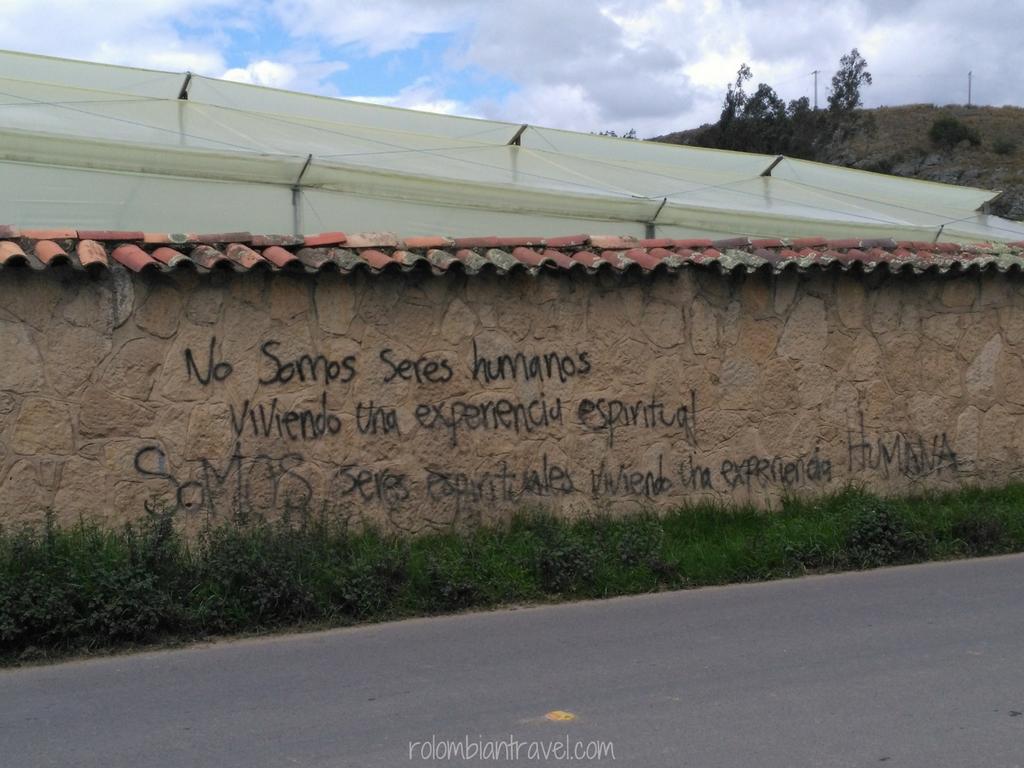 Grafitti en camino a Suesca