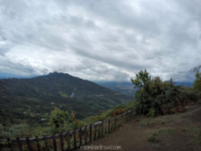 Mesa panorámica desde donde se visualiza el valle del río Magdalena y el cañón del río Sumapaz