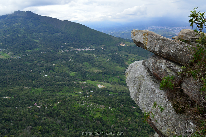 Piedra Pico del Águila en Cerro de Quininí, Cundinamarca
