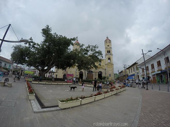 plaza principal la mesa cundinamarca