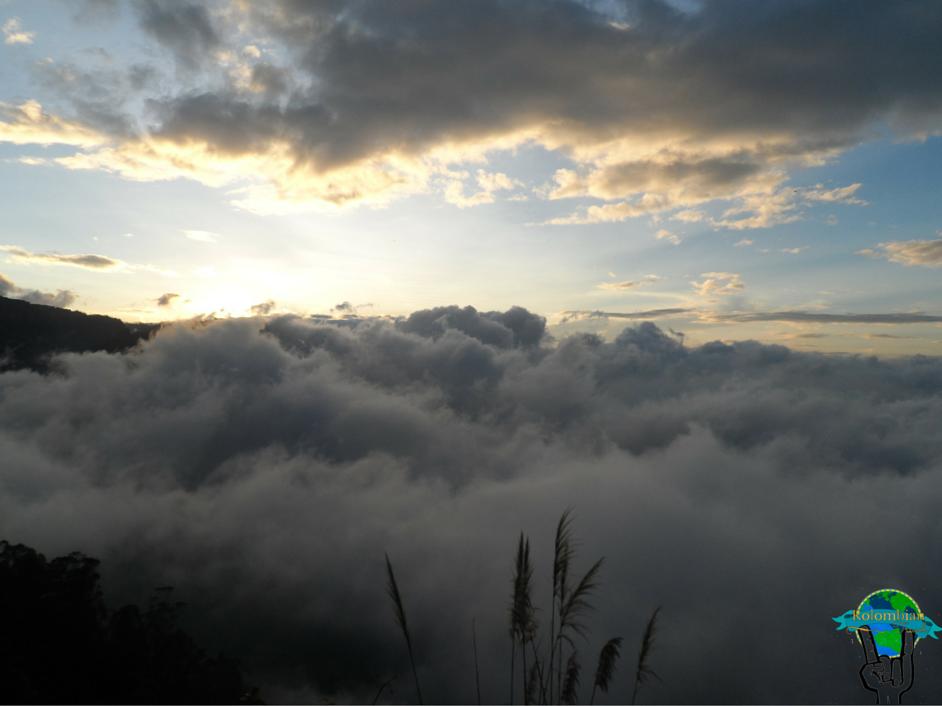 Entre nubes en Salto del Tequendama, Cundinamarca, Colombia