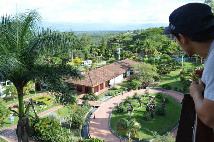Monumento a la Cosecha visto desde el Mirador del Parque del Café (Quindío)