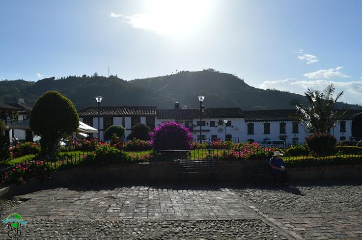 plaza principal mongui boayaca
