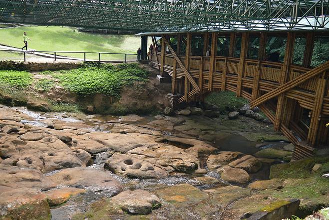 Fuente de Lavapatas en Parque Arqueológico de San Agustín, Huila