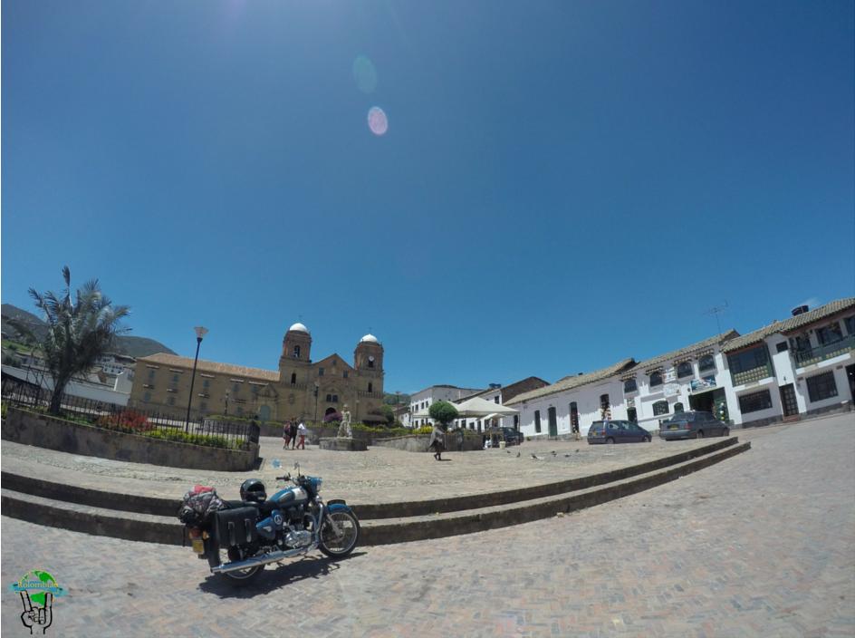 plaza principal de mongui boyaca