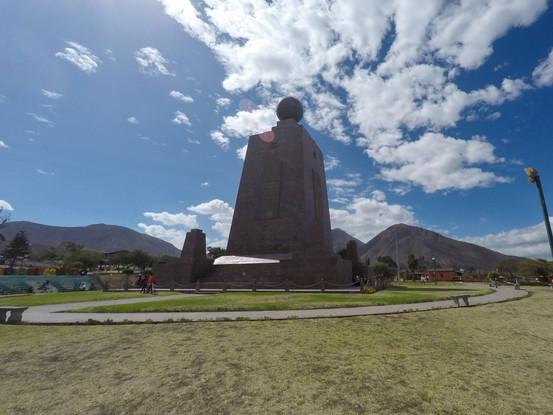 Monumento a la Mitad del mundo en Quito, Ecuador