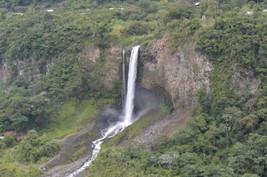 Cascada Manto de la Novia en Baños de Agua Santa