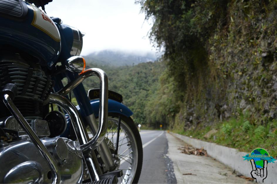 royal enfield en carretera colombia