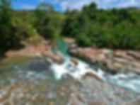 Vista panorámica de los Jacuzzis naturales en el Cañón del río Güejar