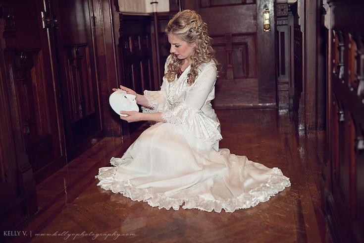 Bellamarie Dressing Gown 1.jpg