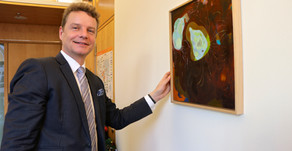 Georgia Gardner Gray schmückt Bundestagsbüro von Jens Beeck