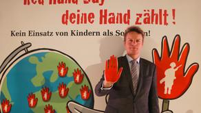 """Beeck: """"Unerträglich, dass weltweit noch immer 250.000 Kinder als Soldaten missbraucht werden."""""""