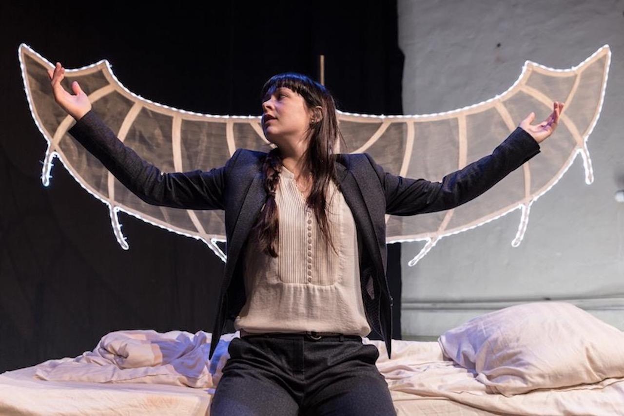 Josje Eijkenboom in 'Icarus'