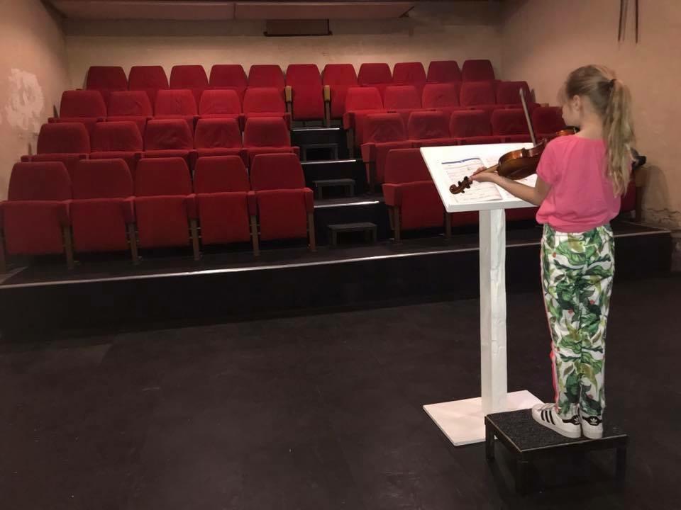 Isabel oefenen zonder publiek