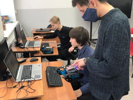 На этой неделе  Мобильный технопарк Костромской области работает в МОУ СОШ №2 г.Буя