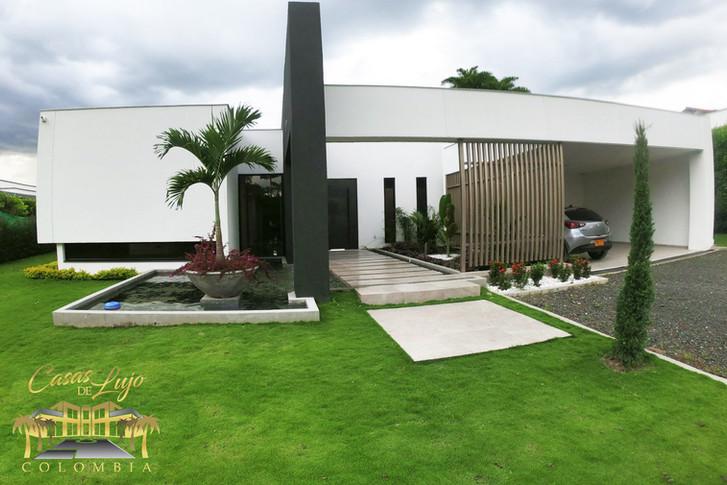 Casas de lujo-Venta de lujosa casa campestre en cerritos Pereira.jpg