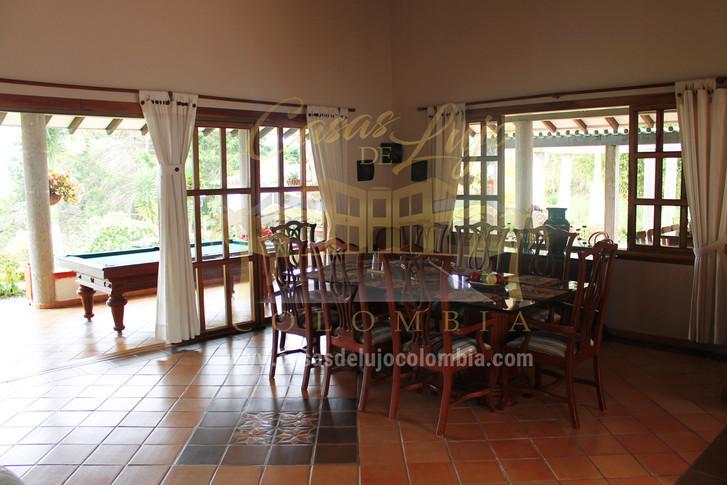 asas de lujo-venta de casa campestre en salento.jpg