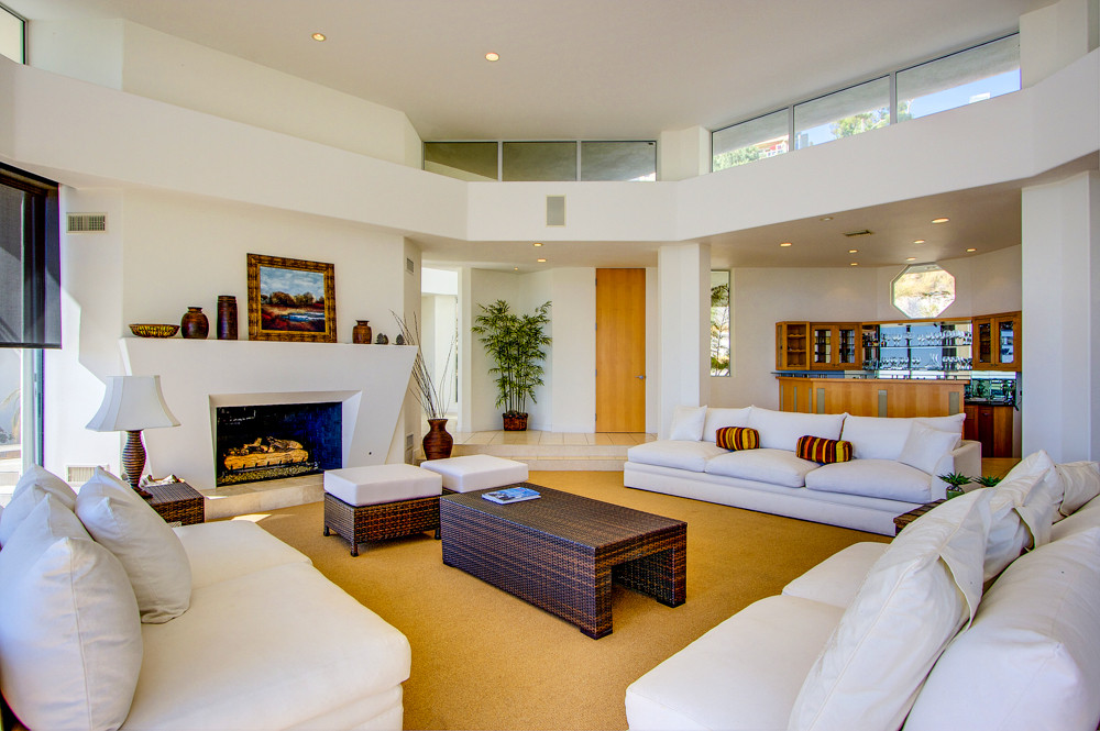 Modern-MalibuHills-Estate-3.jpg
