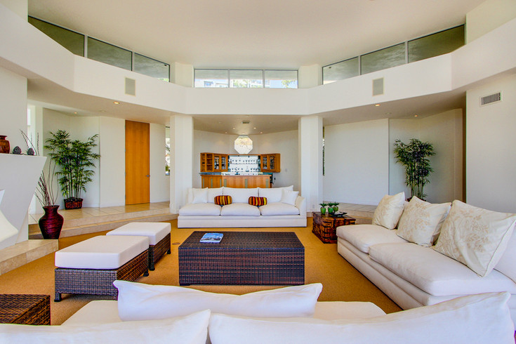 Modern-MalibuHills-Estate-5.jpg