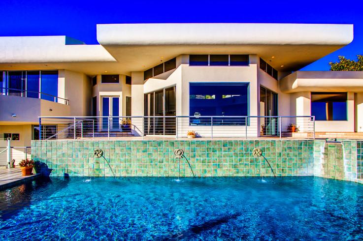 Modern-MalibuHills-Estate-22.jpg