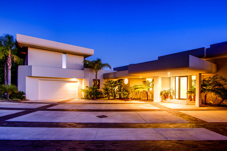 Modern-MalibuHills-Estate-30.jpg