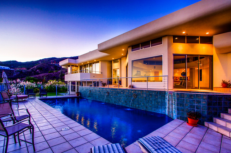 Modern-MalibuHills-Estate-26.jpg