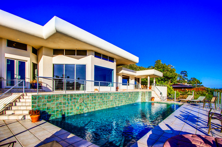 Modern-MalibuHills-Estate-23.jpg