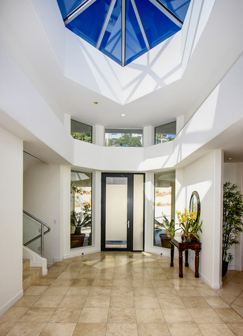 Modern-MalibuHills-Estate.jpg