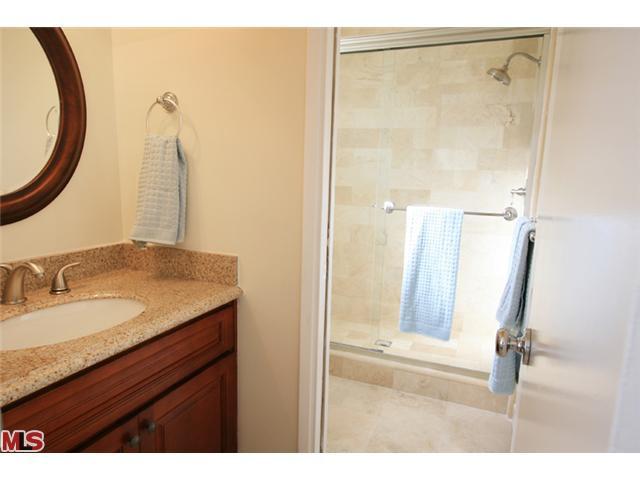 Bathroom for bedroom 2 .jpg
