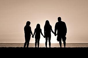 Family%2520silhouette_edited_edited.jpg
