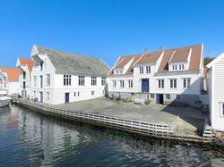 The pier at Gjestfrie Hus
