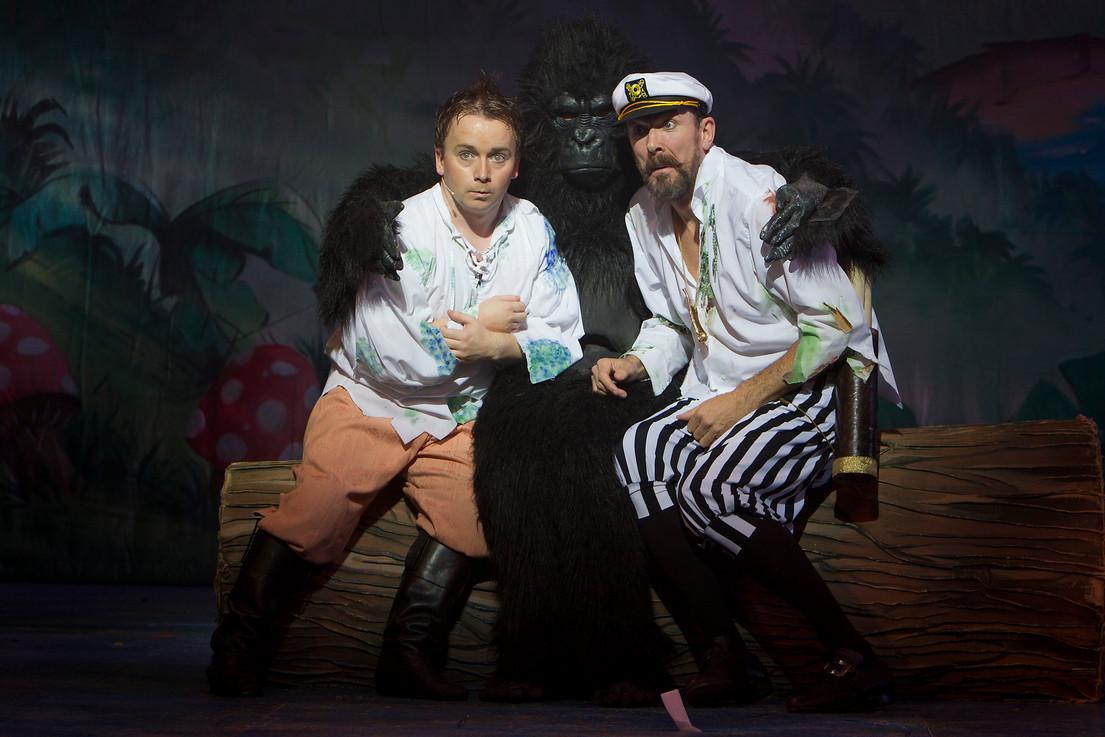 Robinson Crusoe Gaiety 2011/12
