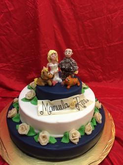 2 stöckige Torte mit Brautpaar