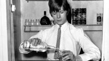 ¨Tip curioso del día¨: presenta: David Bowie Bartender.