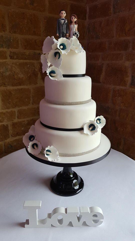 Black & White Sugar Lily's Wedding Cake