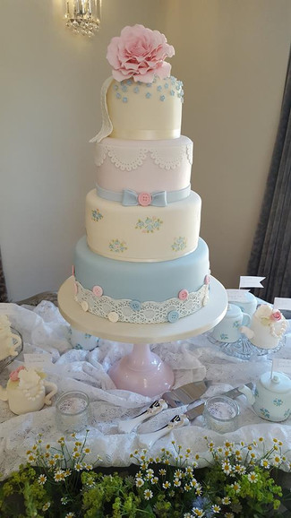 Buttons Wedding Cake