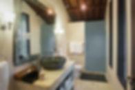 9. Villa Avalon Guest House - Guest suit