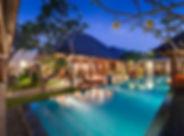 27. Des Indes II - Villa at night.jpg
