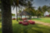 13. Villa Saanti - The lawn.jpg