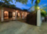 20-Ambassadors House - Entrance veranda