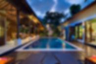 15. Lakshmi Villas - Toba - Pool and vil