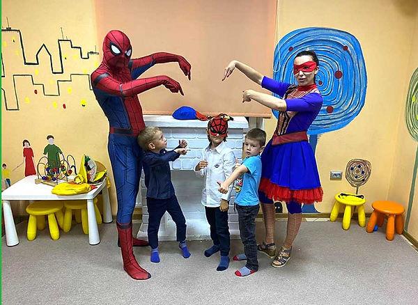 Человек-паук и девочка-паук
