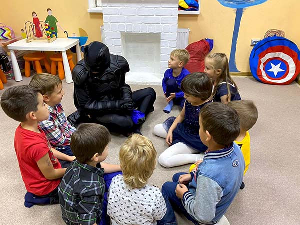 Бэтмэн и дети