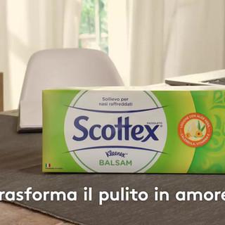 Trasforma_il_pulito_in_amore_con_Scottex