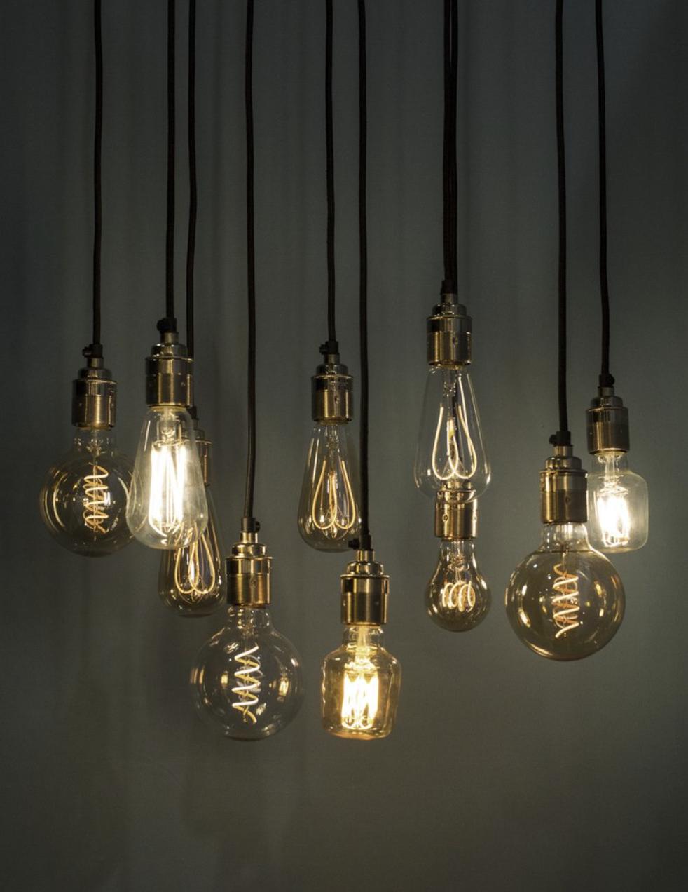 Plumen bulbs suspended