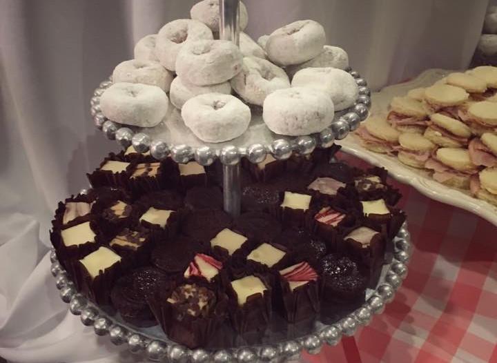 Donuts & Mini Cheesecake