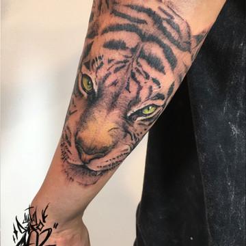Tatuaje realista de animales, tigre