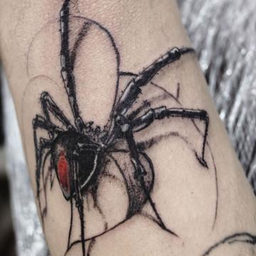 Tatuajes realistas de animales, arácnidos