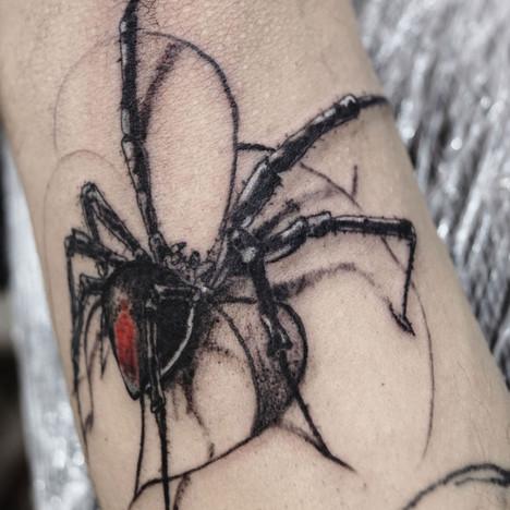Tatuaje de araña realista