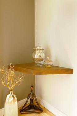 Foyer shelf
